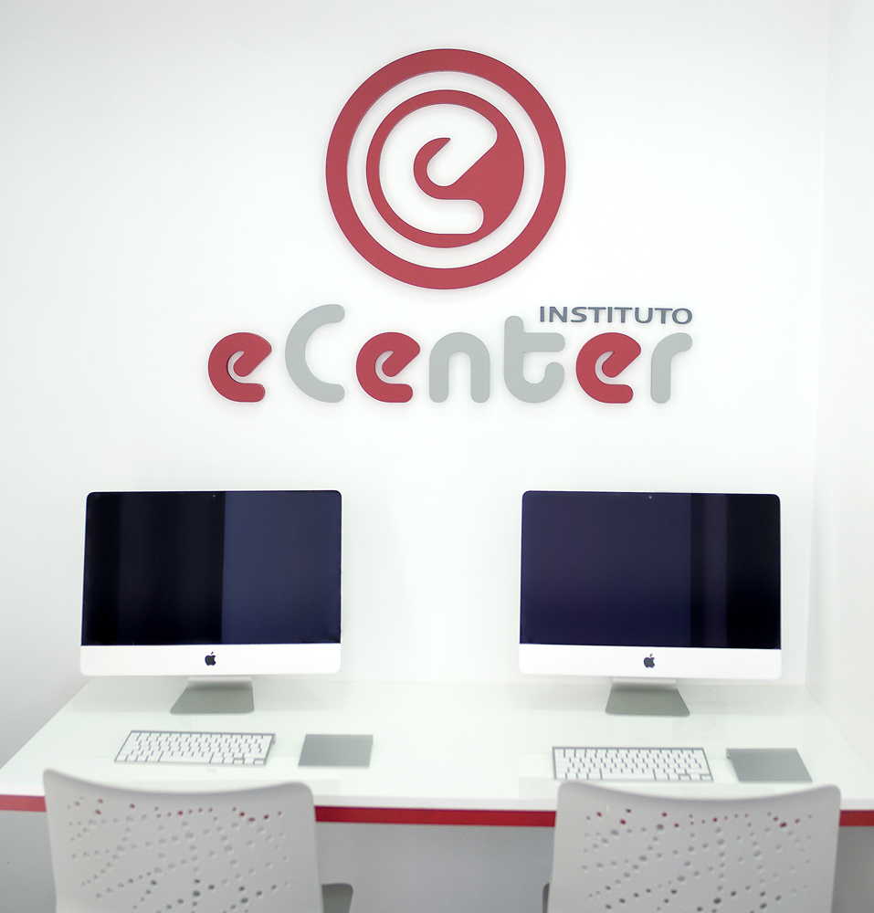 computer zone of language school in Málaga